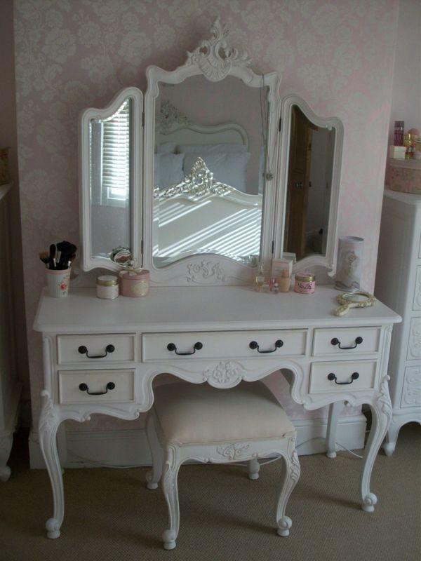Le meuble de rangement de maquillage Organisez vos trucs d - meuble de rangement avec tiroir