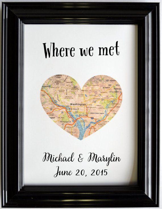 Benutzerdefinierte Hochzeit Jahrestagsgeschenk für Paare personalisierte Karte Kunst Engagement Geschenke Karte Herz Druck, wo wir trafen vorgeschlagen Geschenke Verlobte ihn