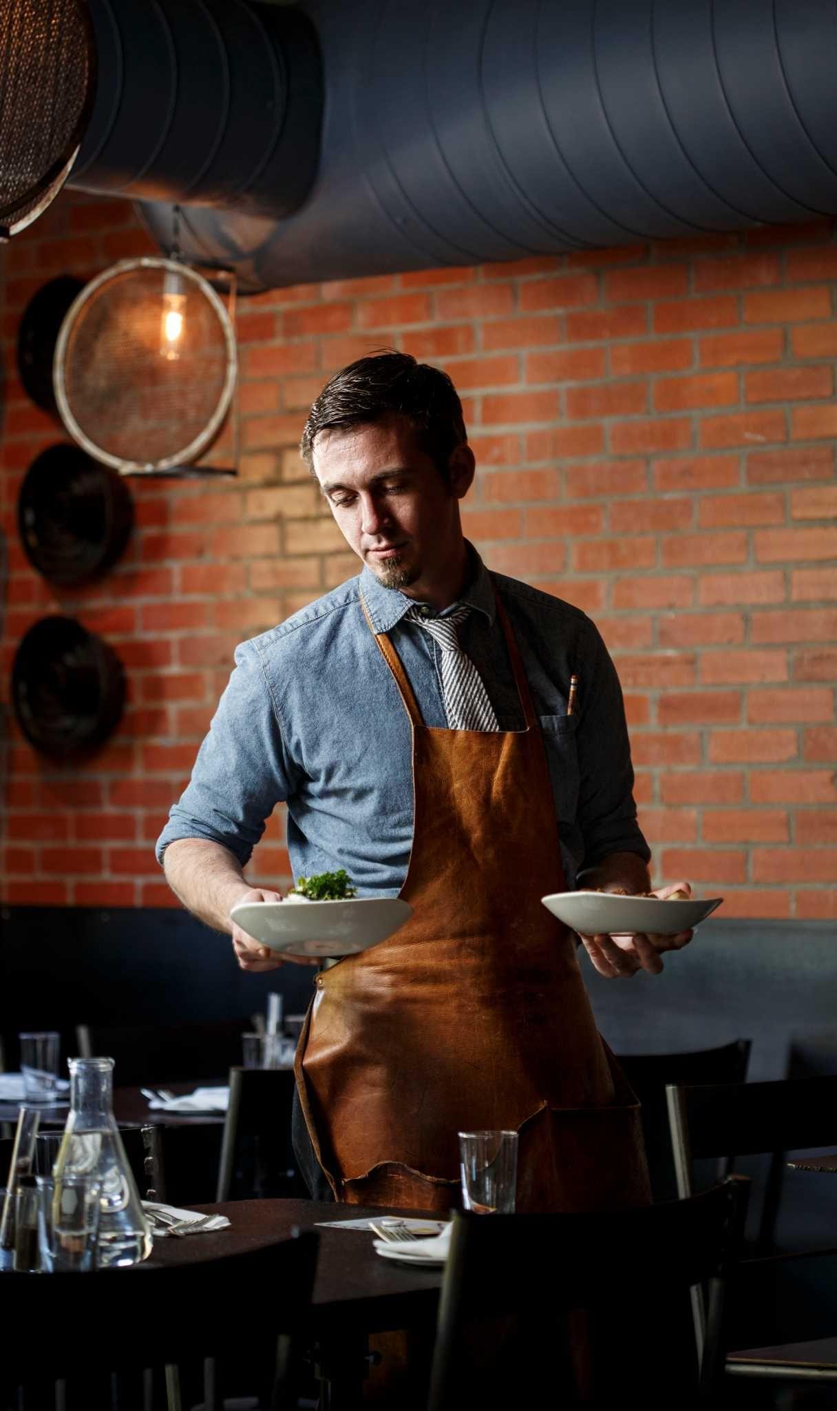 Houston Restaurants Serve Up Waitstaff Style And Fashion