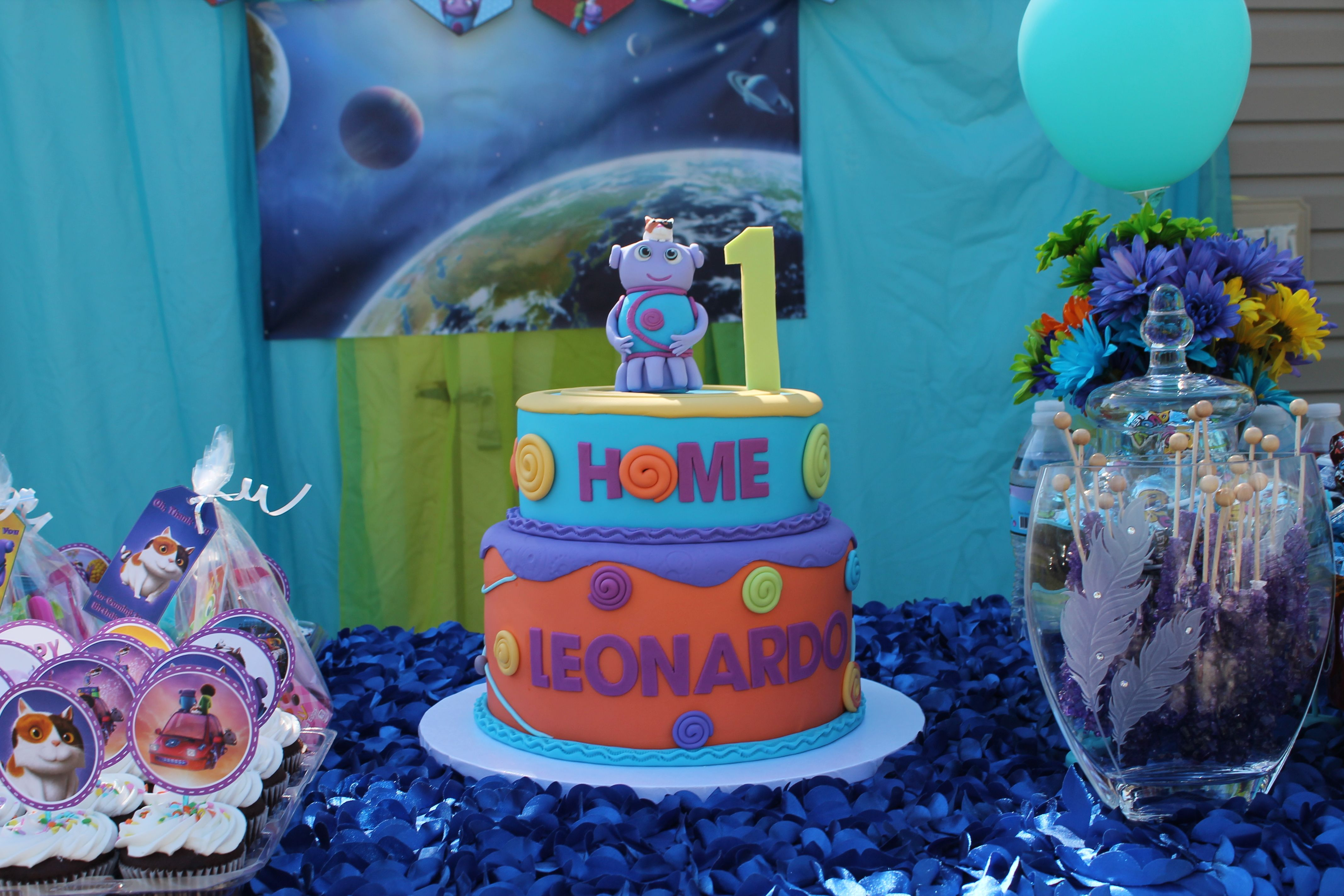 Boov Cake Oh pig cat Home the movie DreamWorks Purple and blue