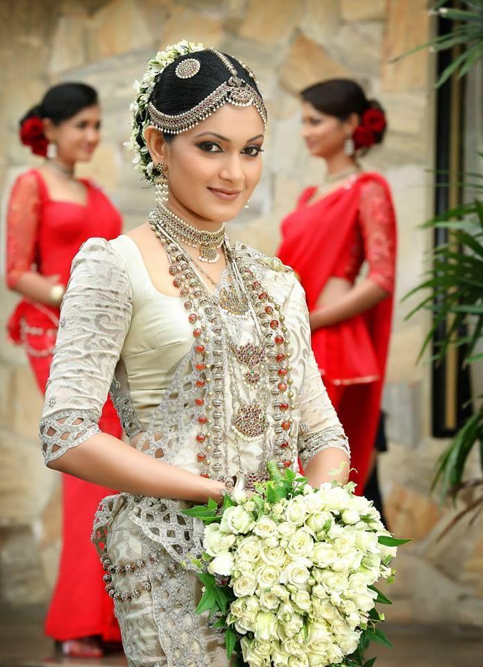 Sri Lankan bride | Bride Portraits | Pinterest | Jewelry collection ...