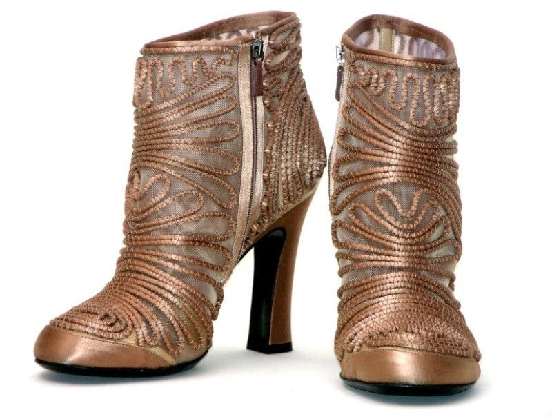 ALBERTA FERRETTI RUNWAY ANKLE TAN LACE MESH APPLICATION BOOTS ~ SO COOL, just wish the heels were WAY different!