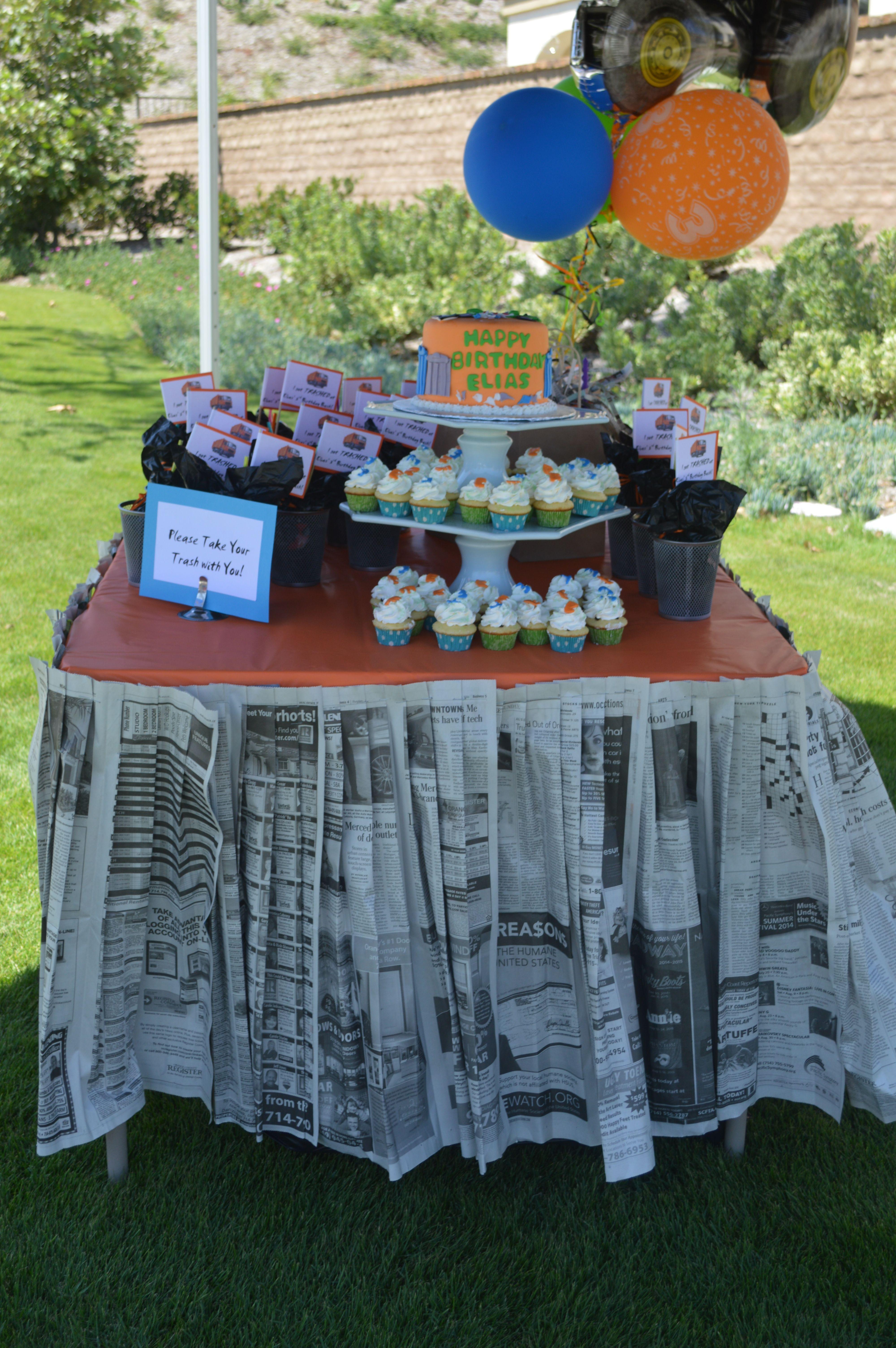 Pleated Newspaper Table Skirt