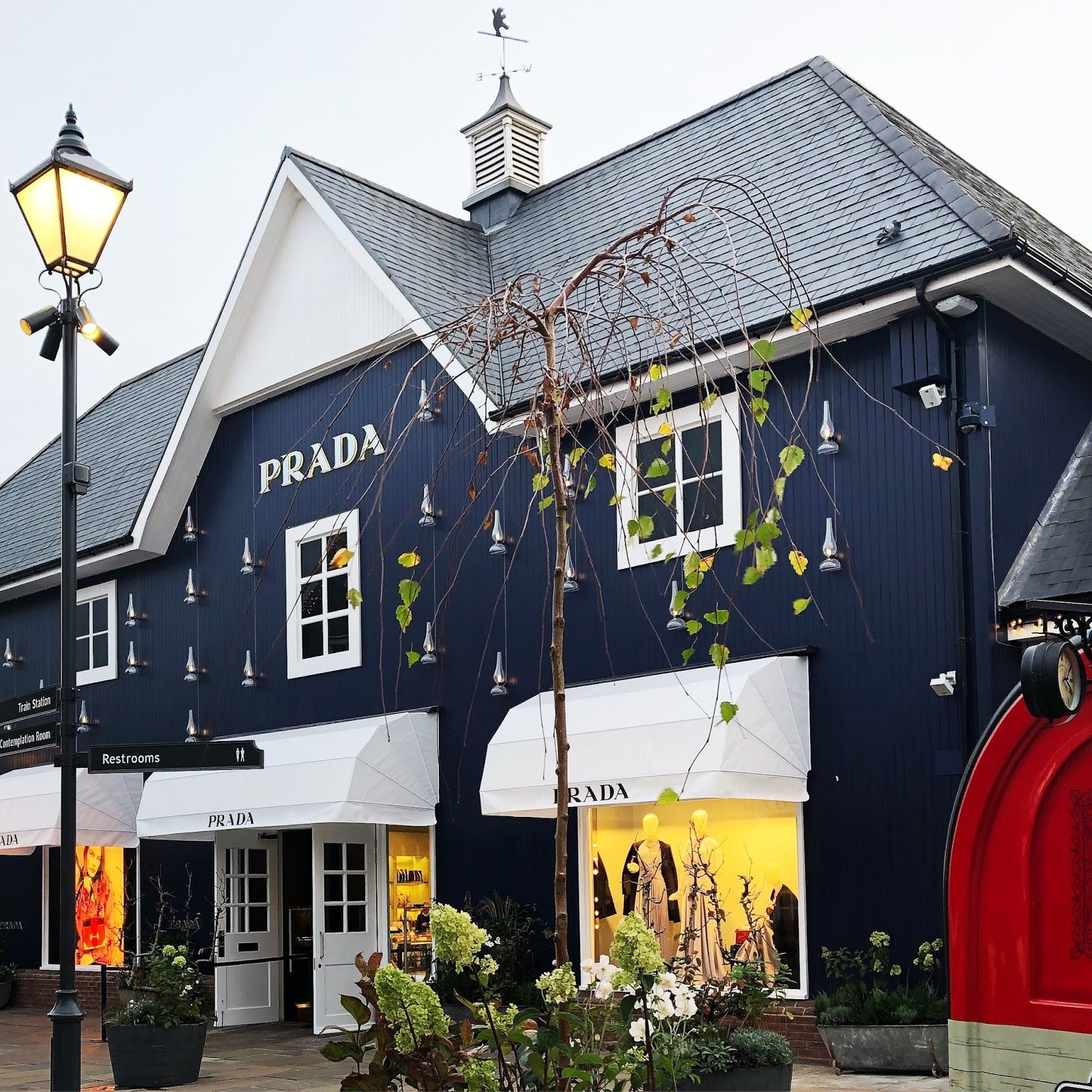 Bicester Village Shopping With Images Village House Styles