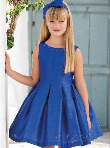 10 Yaş 2019 Kız Çocuk Abiye Elbise Modelleri Lacivert Kısa Saten Kolsuz Kalın Pileli Etek