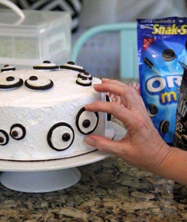 Cute Halloween cake!