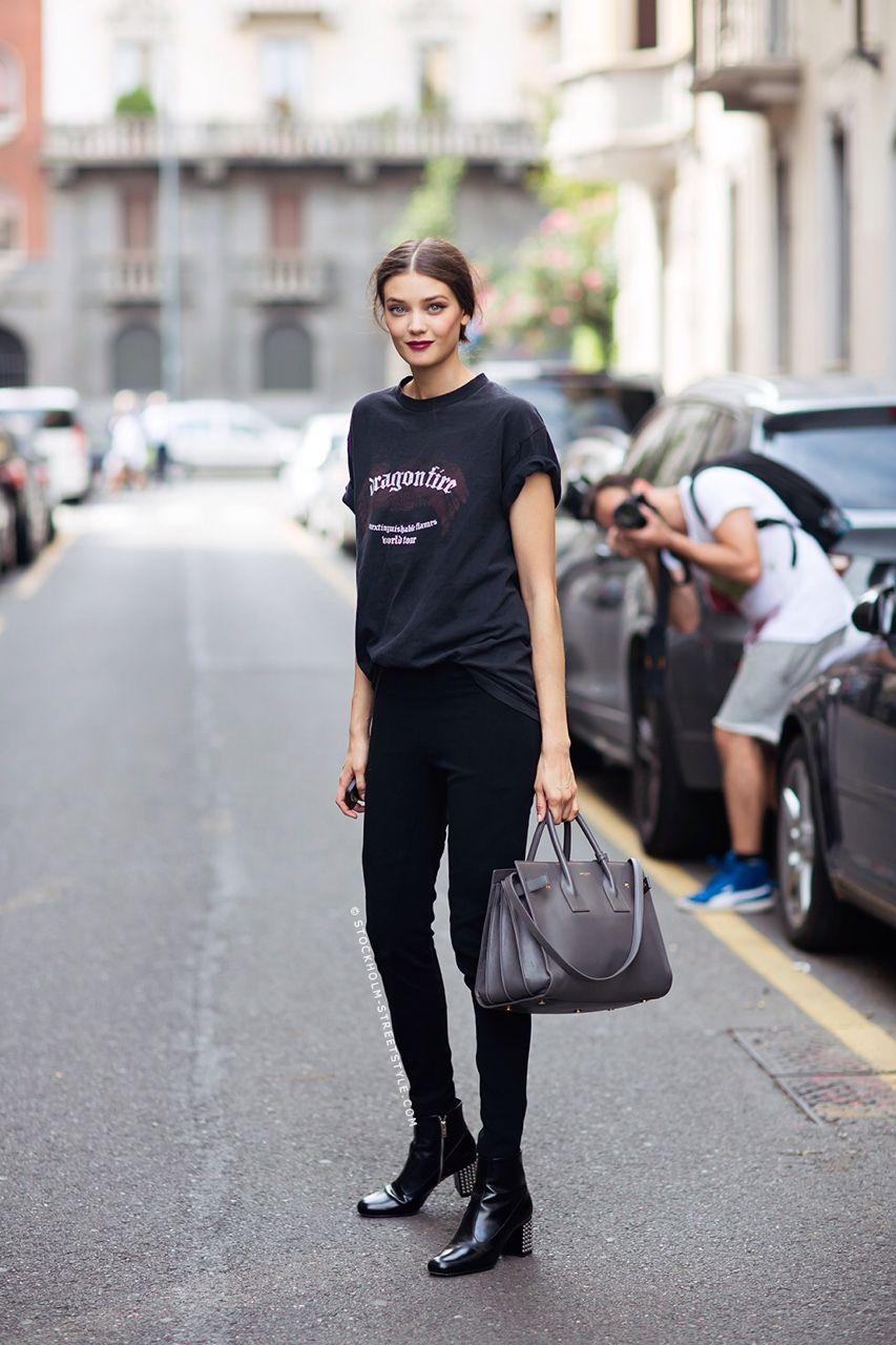 Model Off Duty: tee, black skinny jeans & boots #style