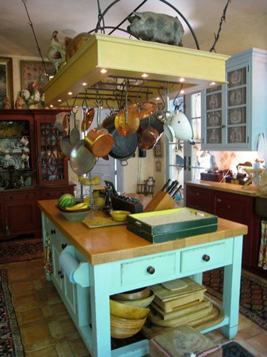 Love The Island And The Rack For Pots And Pans Country Kitchen