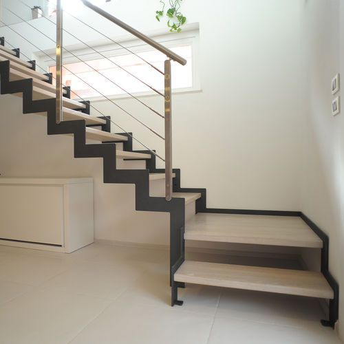 Best Quarter Turn Staircase Metal Frame Wooden Steps 400 x 300