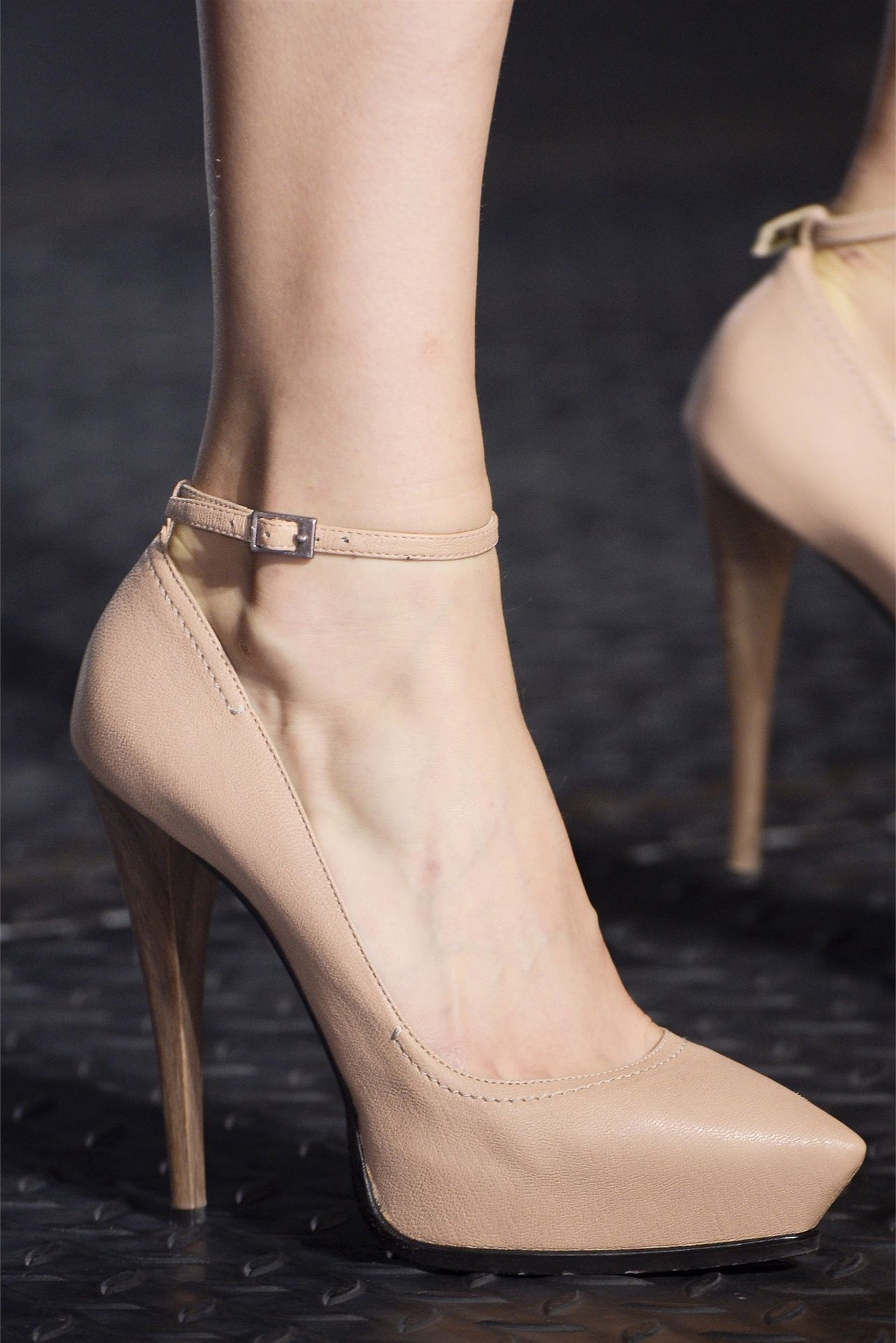 Gorgeous Lanvin Nude pumps