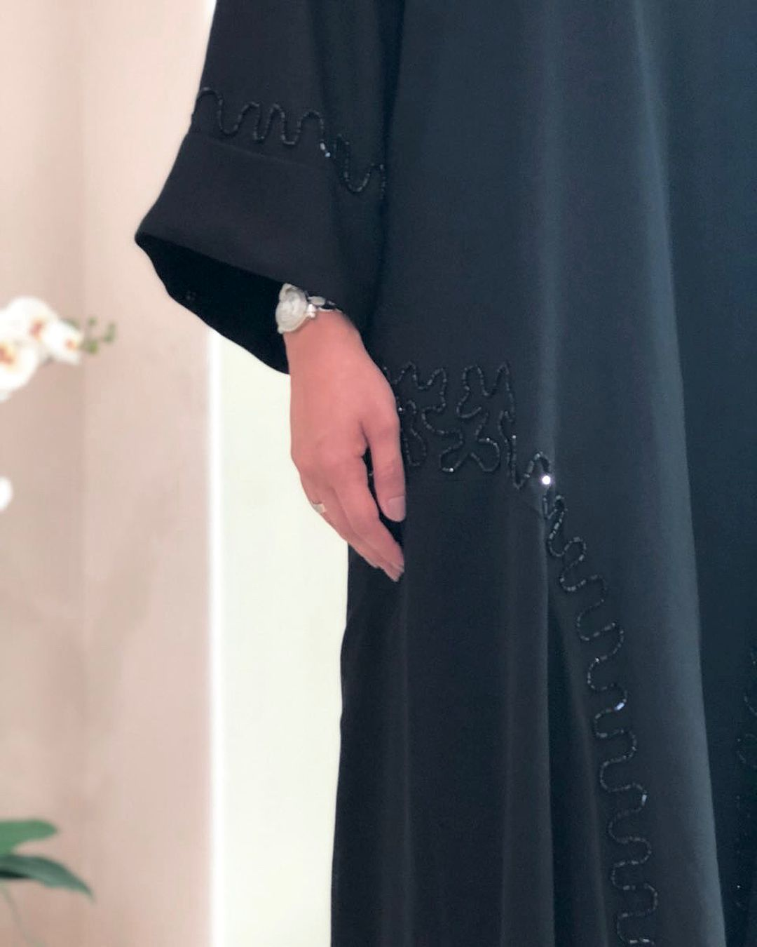 Image May Contain One Or More People Black Abaya Designs Abayas Fashion Iranian Women Fashion