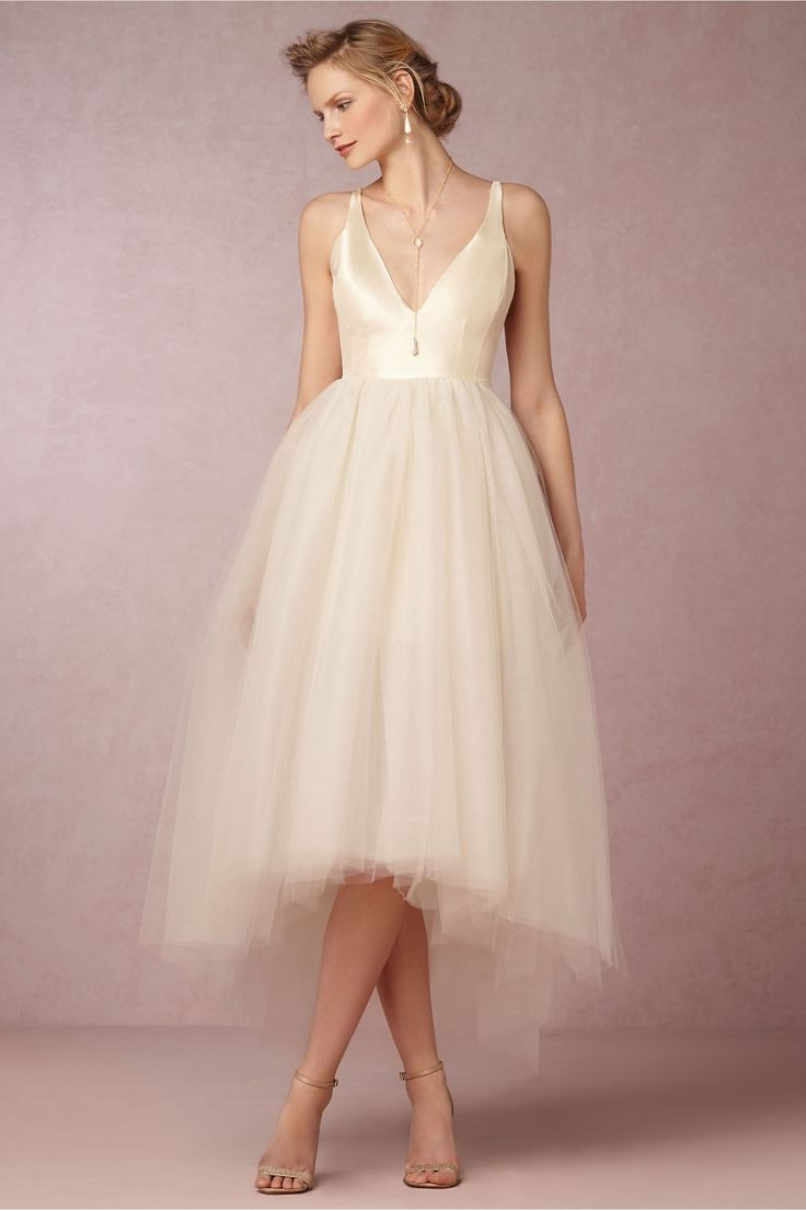 20 Breathtaking And Budget Friendly Wedding Dresses ALL Under 1000