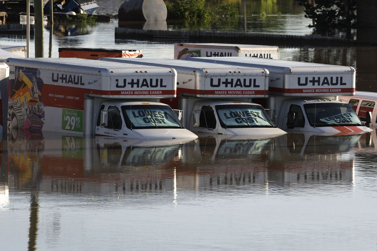 15 companies helping sandy victims u haul and walmart are among the companies that