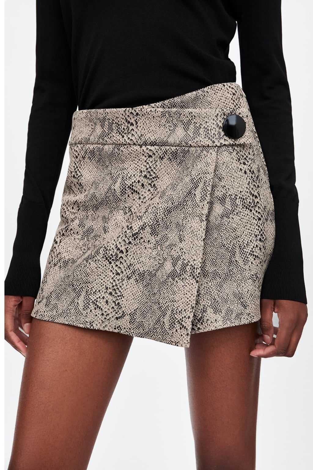 89bae5637185e Image 4 of SNAKESKIN PRINT SPLIT SKIRT from Zara