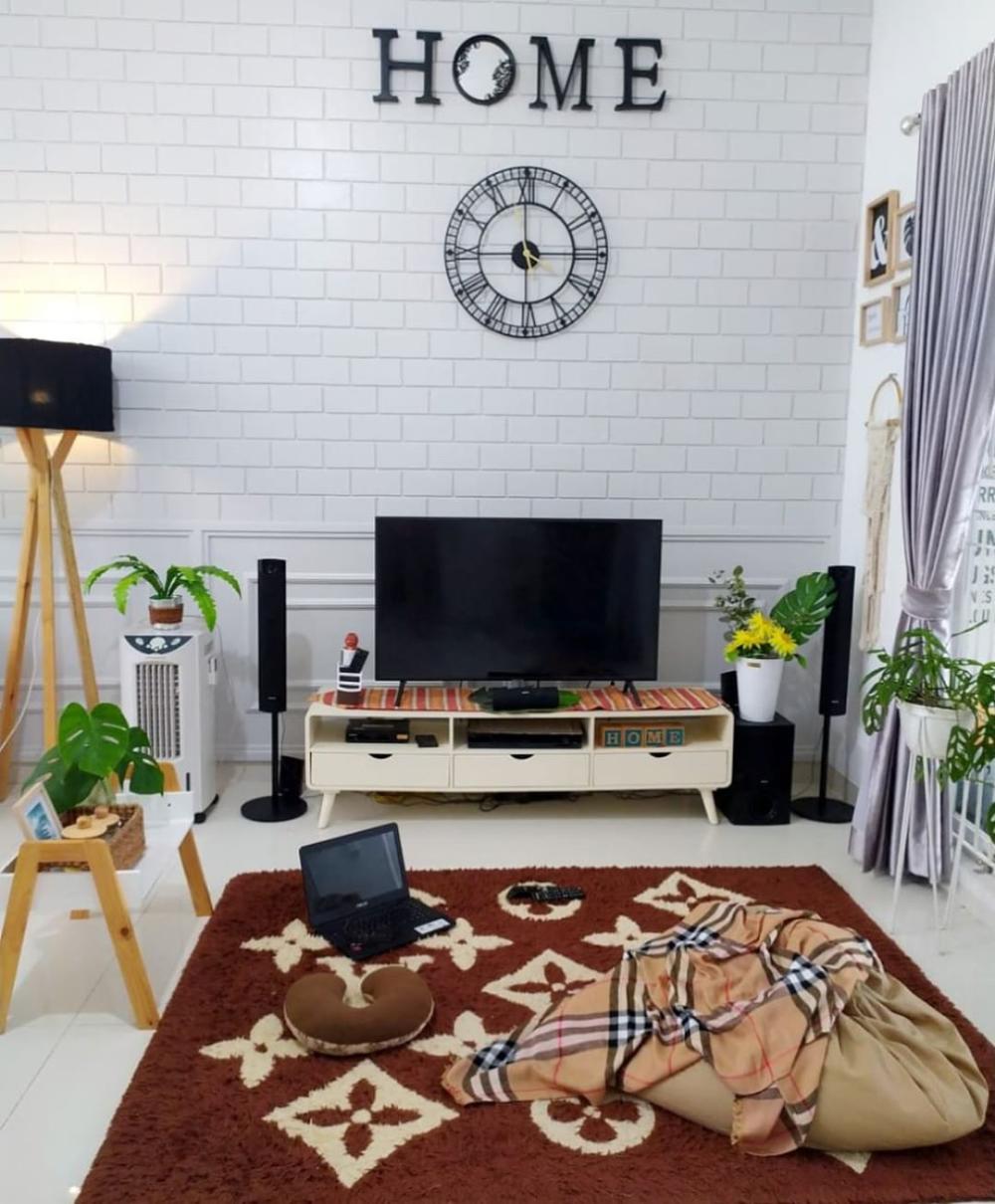 21 Wallpaper Dinding Ruang Tamu Minimalis Paling Mempesona Terbaru 2020 Motif Batu Bata Dekor Home Design Decor Gaya Ruang Tamu Dekorasi Dinding Ruang Tamu