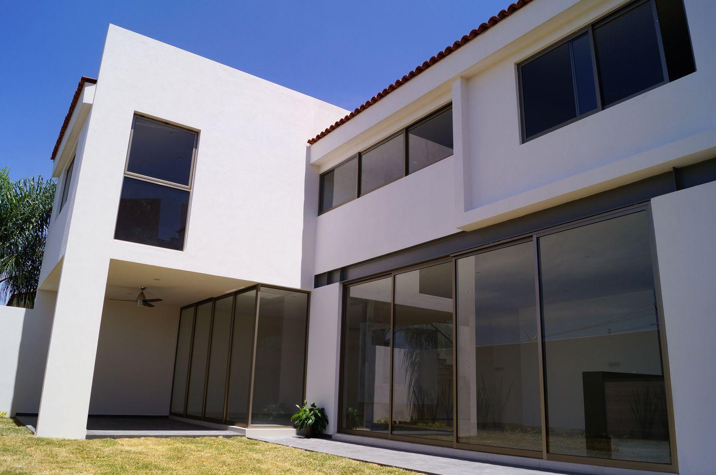 ROYAL COUNTRY 37 | Giraldo Arquitectos