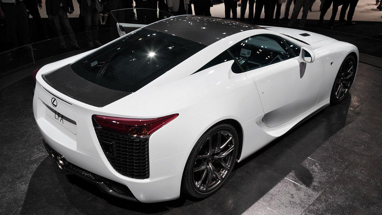 Beau Lexus LFA W/ Carbon Fiber Roof