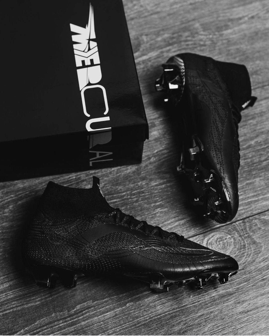 Pin de Elsy itzelh en Futbol | Zapatos de fútbol nike