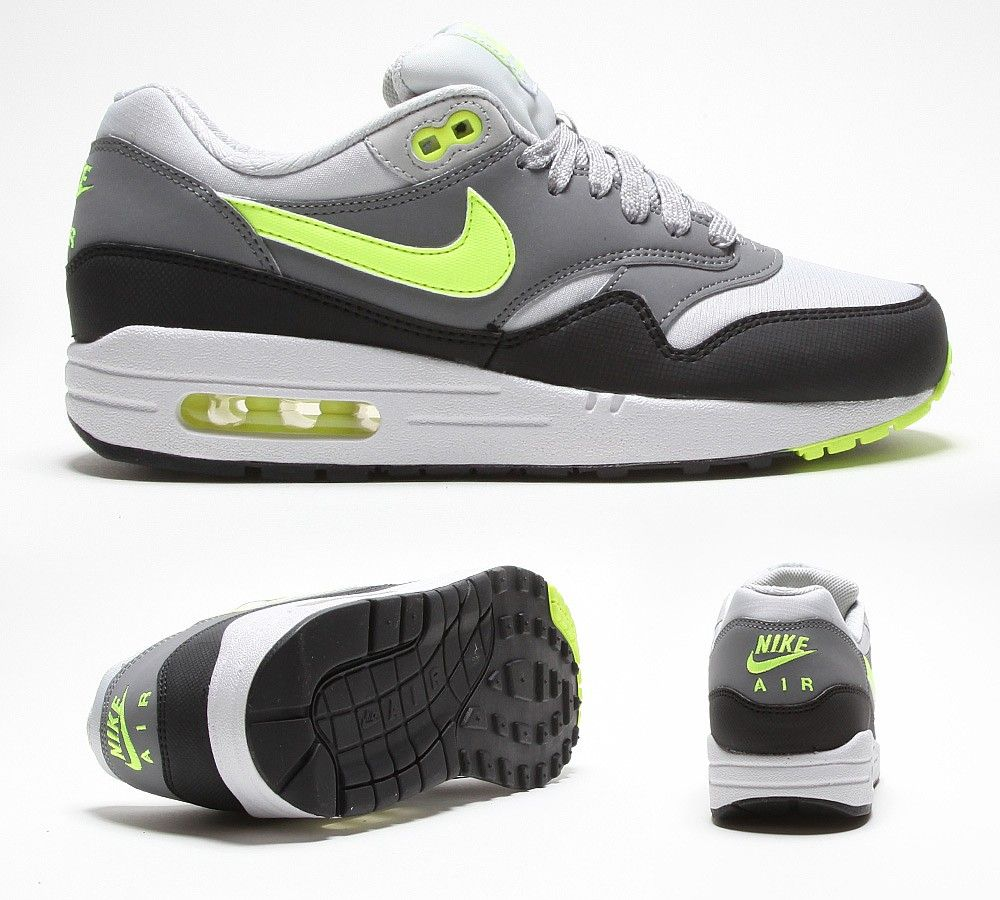 NIKE Womens Air Max 1 Trainer  1204759a3adb