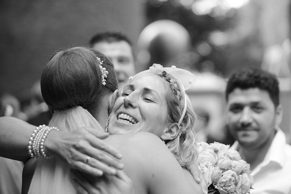 Gäste gratulieren dem Brautpaar   Wedding photos, Photo