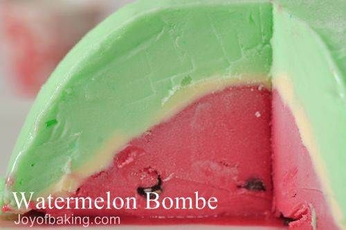 Watermelon Bombe (via Wee Wonderfuls http://www.weewonderfuls.com/2011/07/4th-of-july.html and Angry Chicken http://angrychicken.typepad.com/angry_chicken/2008/06/da-bombe.html)