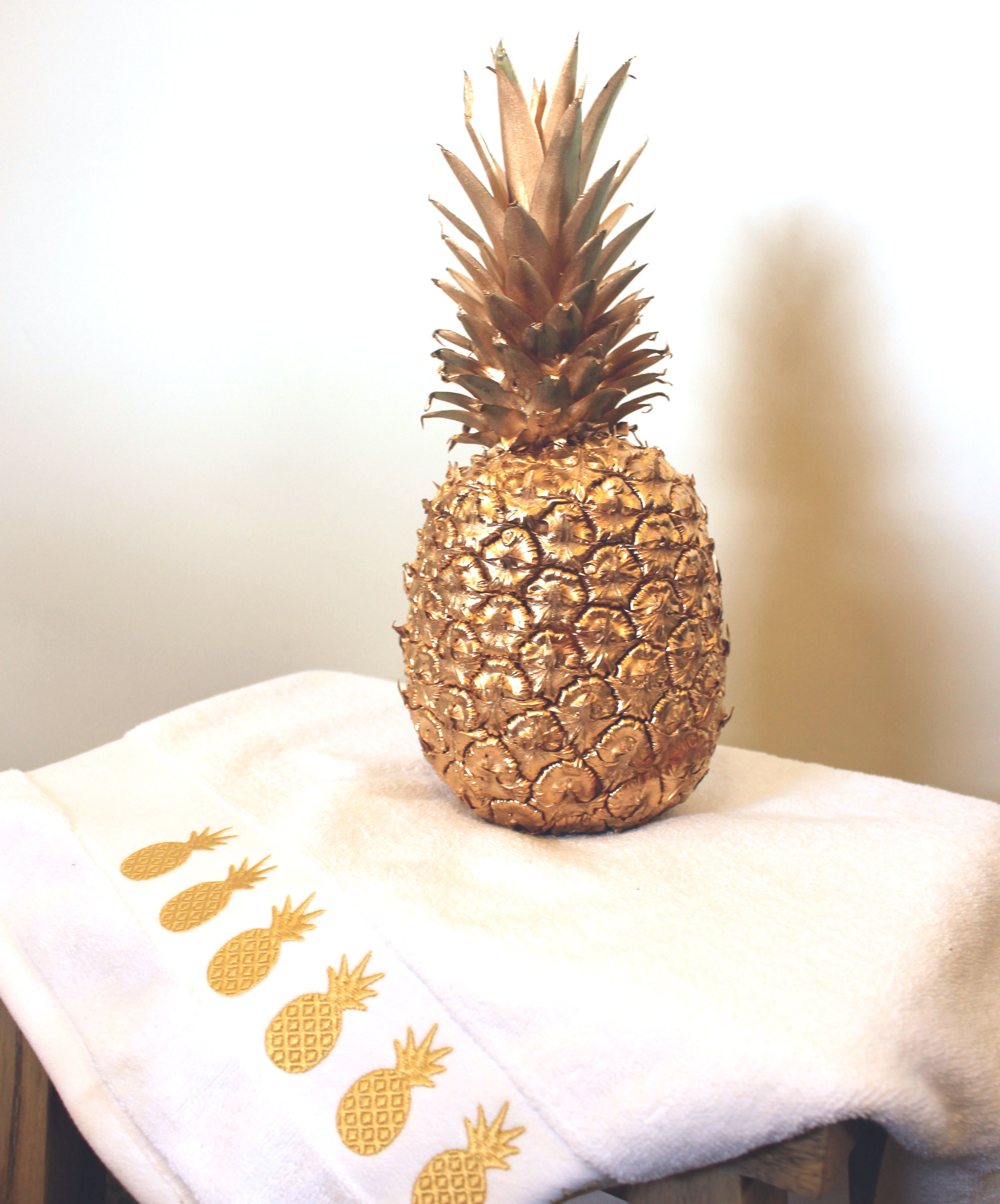 Gold Embroidered Pineapples Bath Towel Pineapple Pineapple Fruit Decorative Accessories Pineapple bathroom wall decor