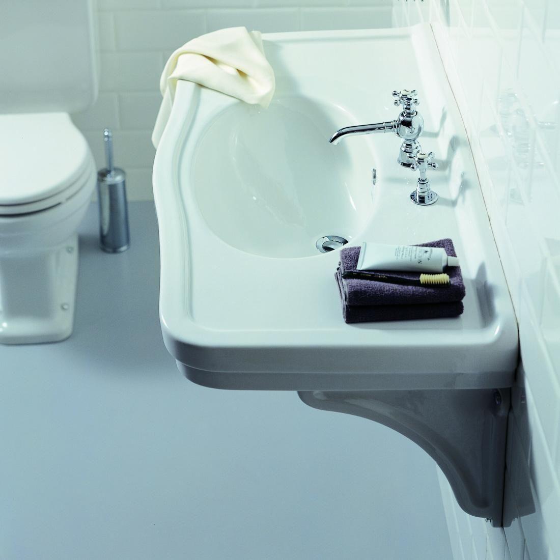 Nostalgische wastafel hangend op steunen 1400€ | Badkamer/toilet ...