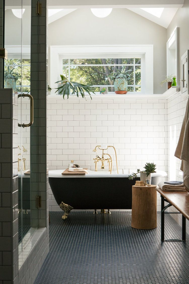 bathroom // clawfoot tub // a well-crafted home book // janet ...