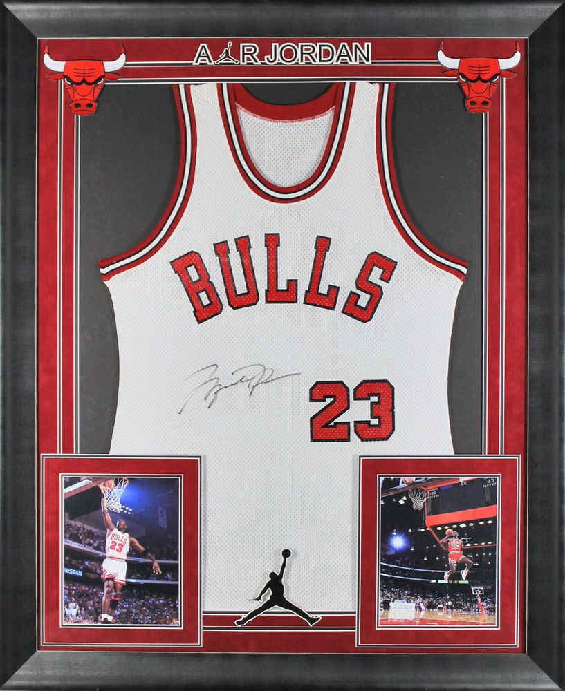Bulls Michael Jordan Signed Rookie Year Framed Jersey LE #72/123 UDA ...