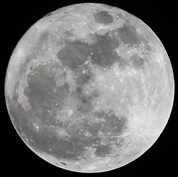 How to Photograph the MOON | Moon photography settings ...
