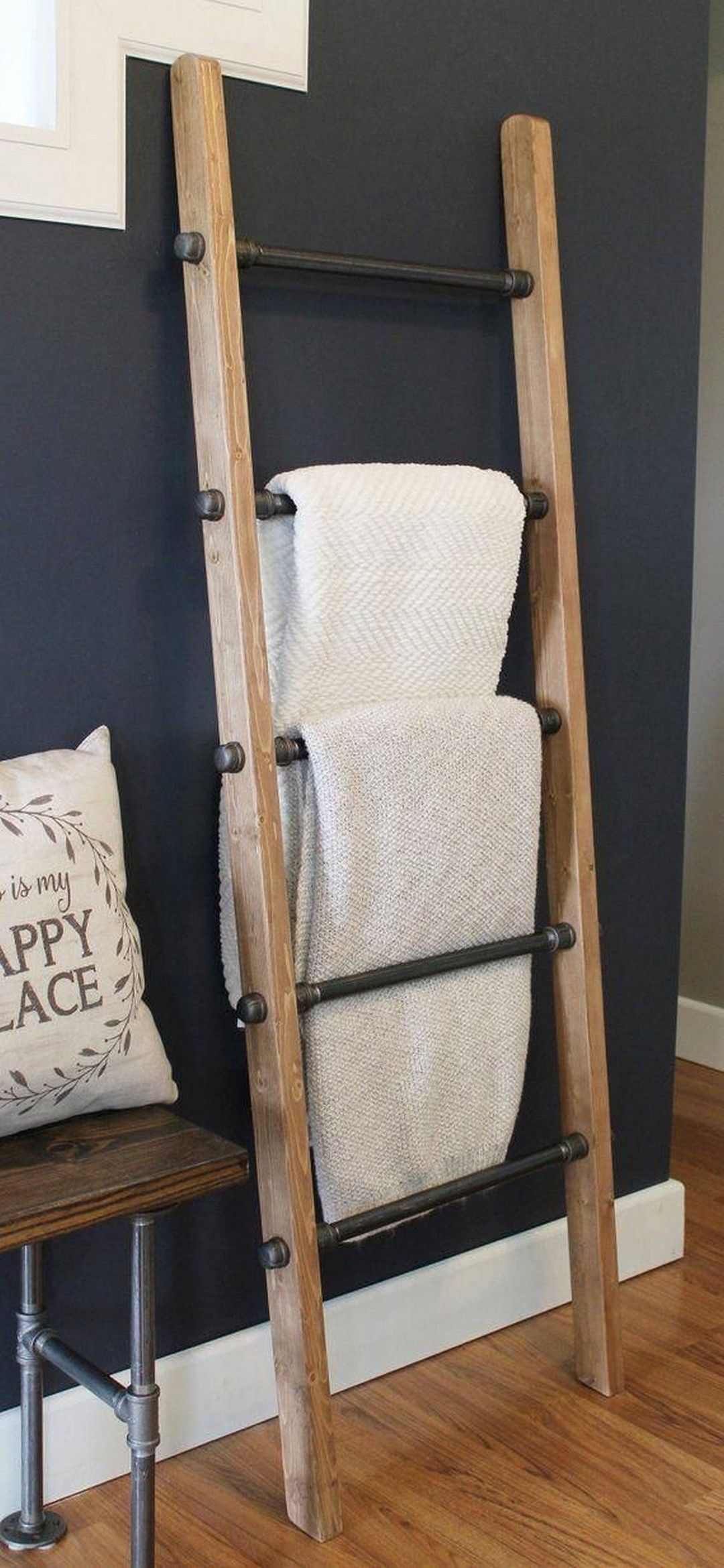 19 DIY Blanket Ladder For Less Than $5 In Lumber! - House & Living #industrialfarmhouselivingroom