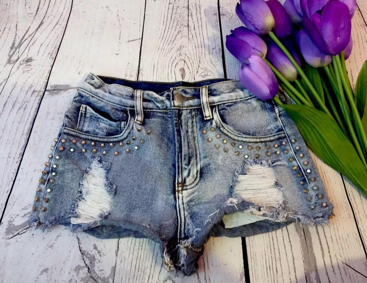 Cute high waisted shorts ❤️