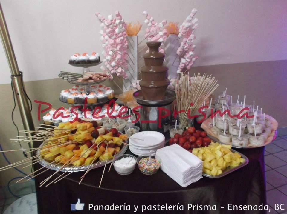 Mesa De Postres Con Fuente De Chocolate En 2019 Fuente De