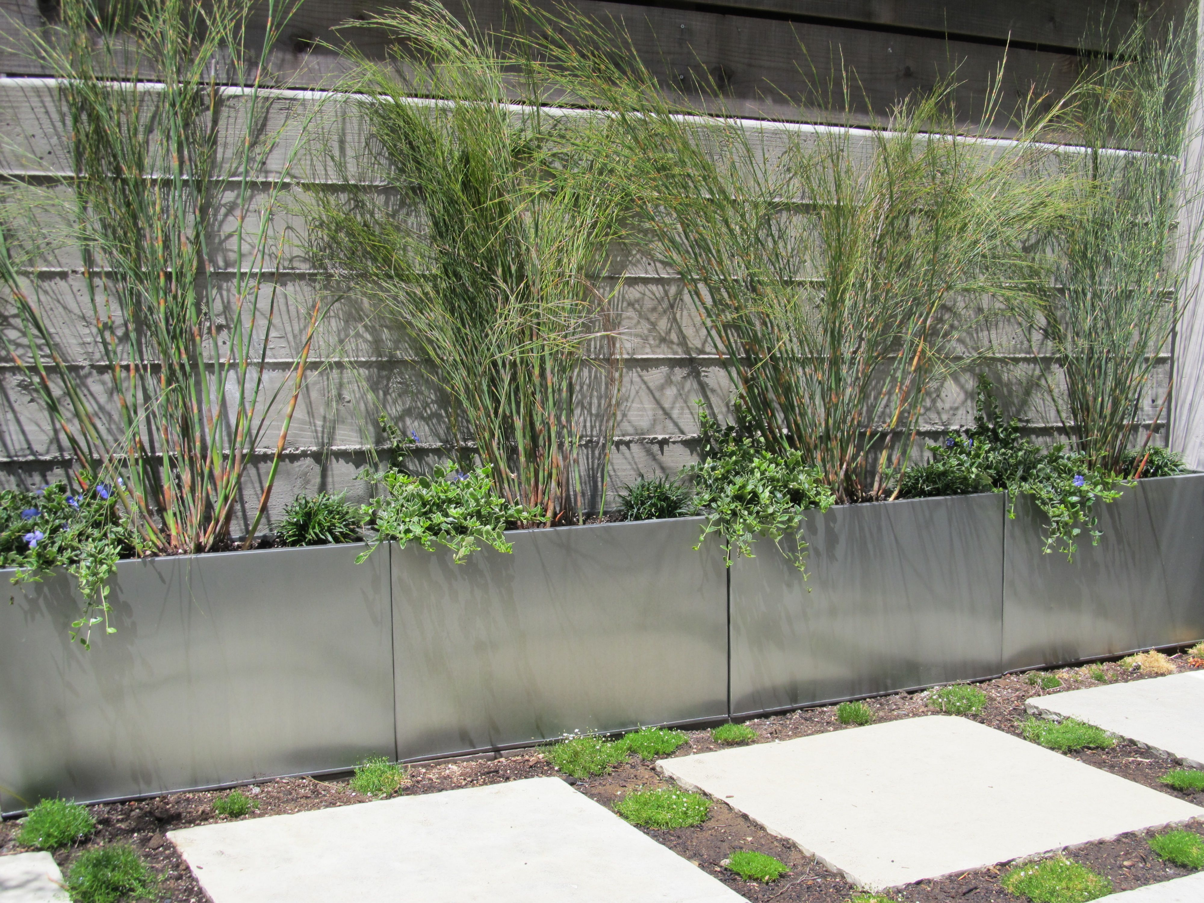 Planters In Front Of Retaining Wall Patio Planters Landscaping Retaining Walls Concrete Retaining Walls