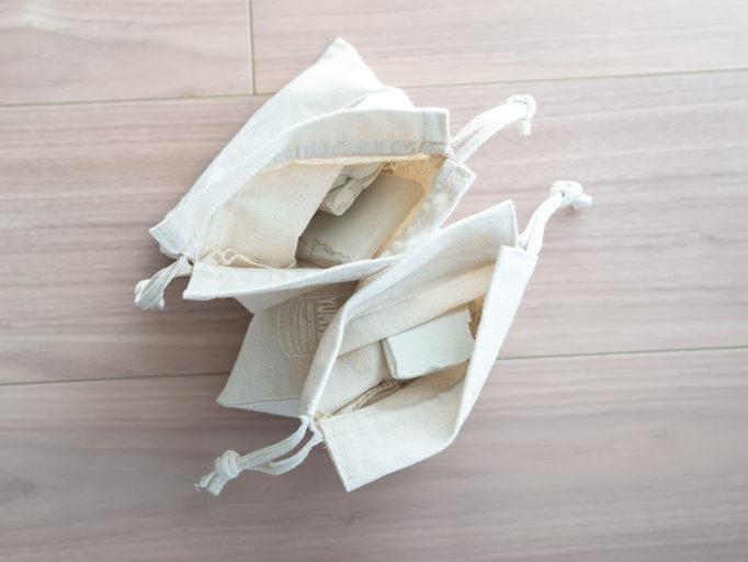 割れた珪藻土バスマットを再利用 100均巾着で乾燥剤にリメイクしました 巾着 再利用 100均