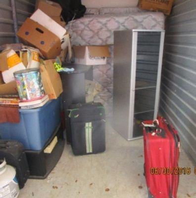 10x7 5 Storageauction In Daytona Beach 7078 Lien Sale Storage Storage Facility
