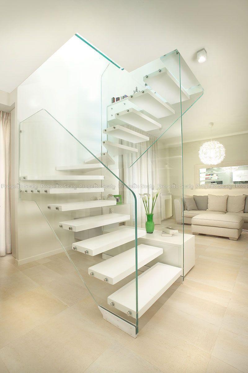 Scala con pareti in vetro strutturale e legno 4 scale per - Gradini per scale a chiocciola ...