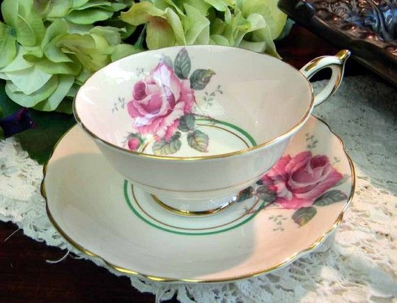 Paragon Pink Roses Bone China Teacup Tea Cup and Saucer by Appointment England 3574