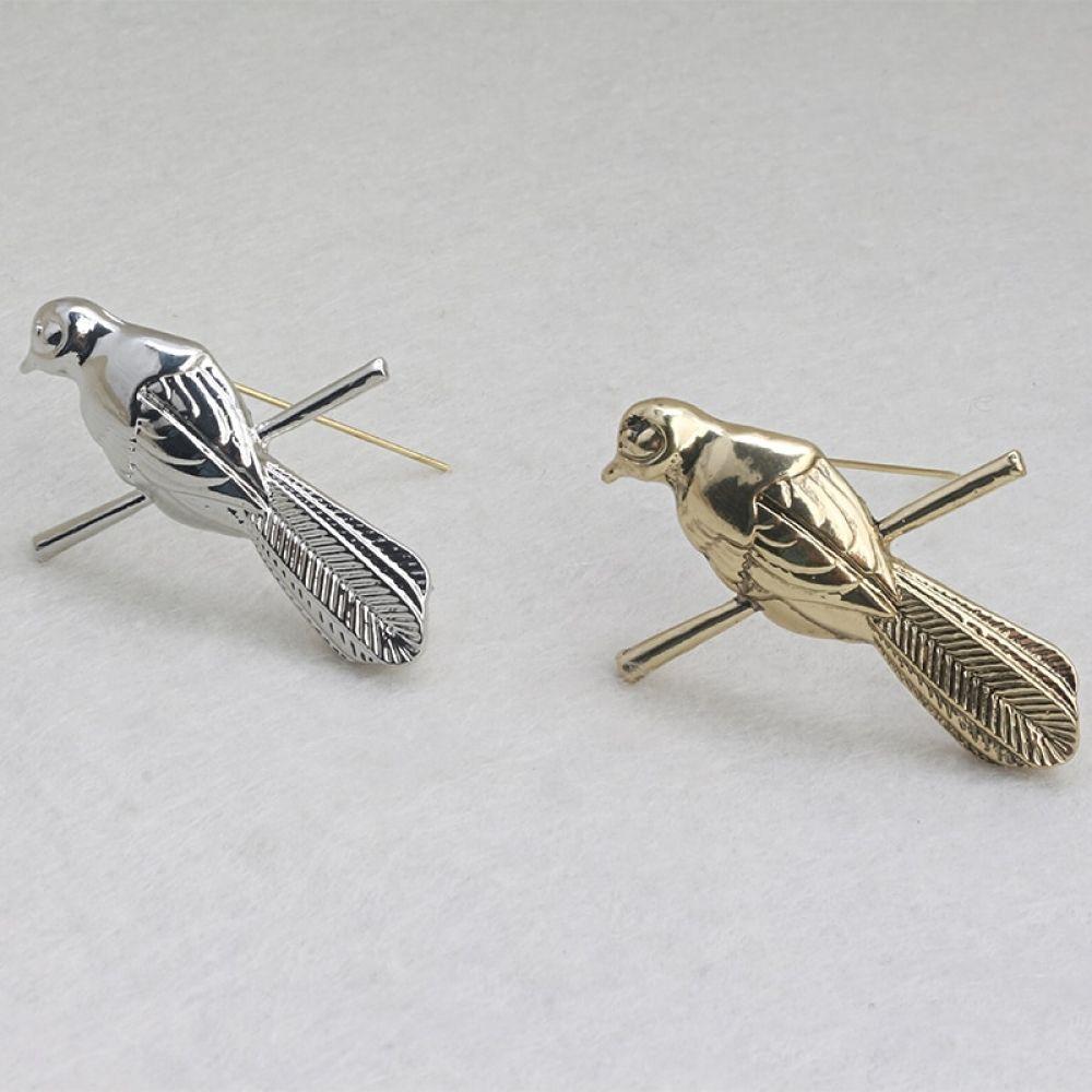 Game of Thrones Petyr Baelish Littlefinger Mockingbird Silver Lapel Pin Brooch