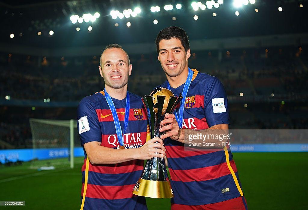 Andres Iniesta And Luis Suarez Of Barcelona Celebrate With The Trophy Luis Suarez Iniesta Andres Iniesta