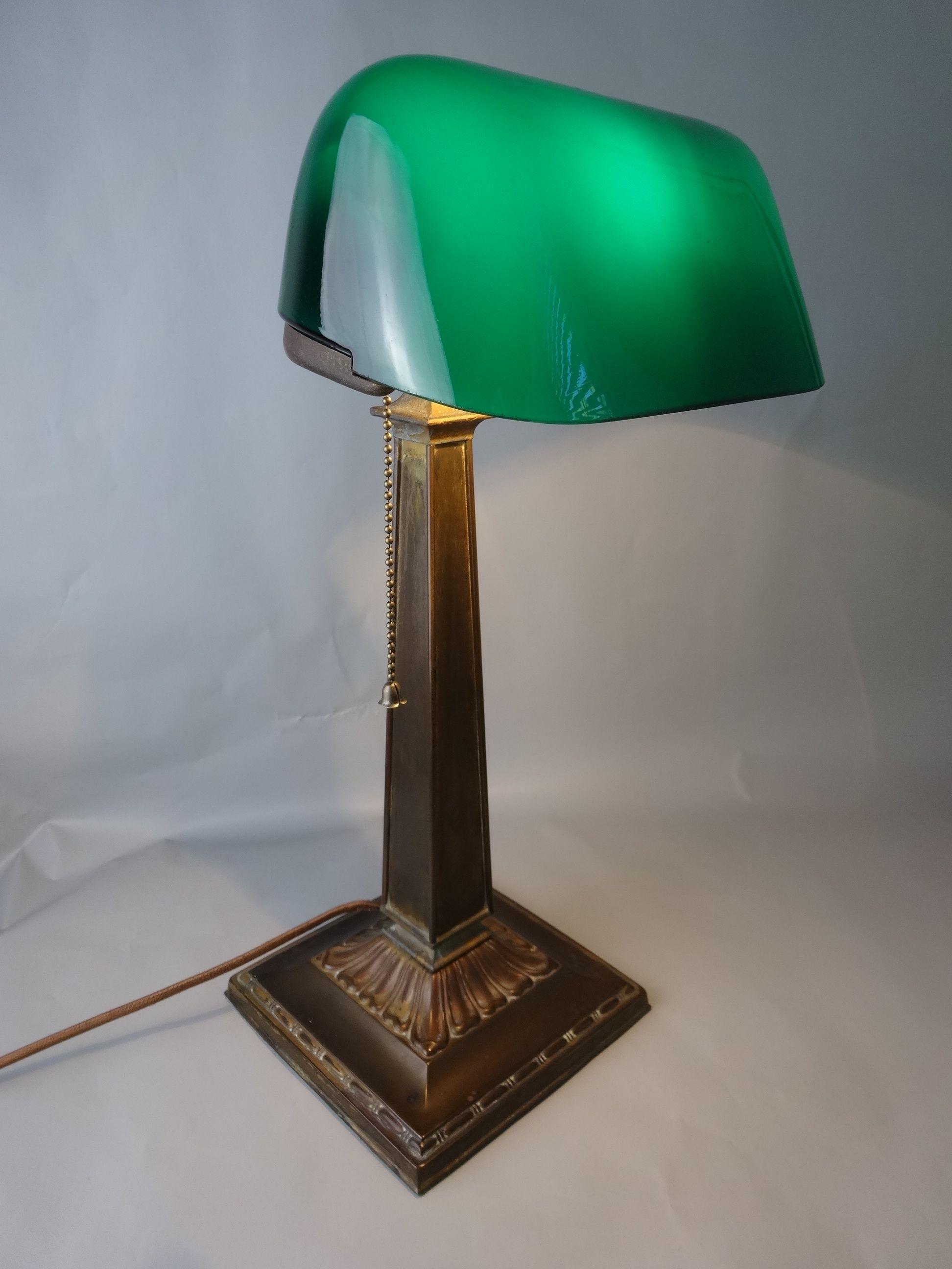 Ficklemoonantiques Com Emeralite Lamp Antique Lamps Desk Lamp