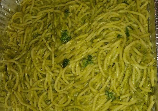 Espagueti Verde- Green Spaghetti Recipe by Alexis Garcia