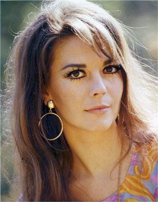 Natalie Wood..simply a classic  Image Detail for - 1960's Makeup and Hair - Page 11  www.thefedoralounge.com
