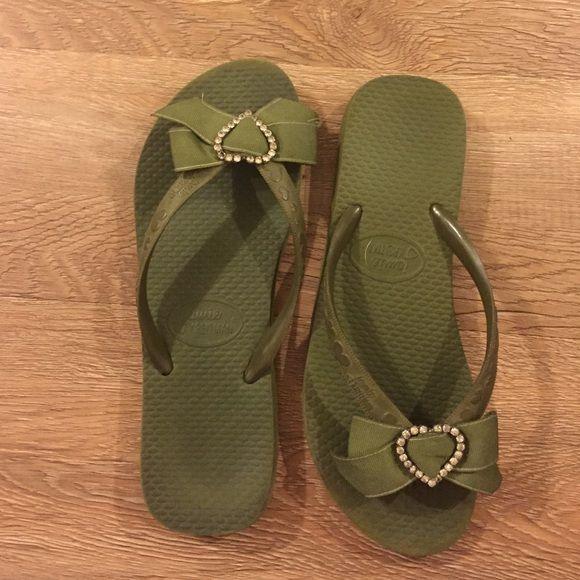 688428858f6895 ... Jamie Kreitman Havaianas Shoes Sandals. Swarovski Bow Flip Flops  Swarovski heart flip flops with bow ...