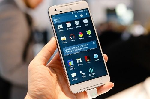 Phablet HTC One X9 vo kim loai pin lon