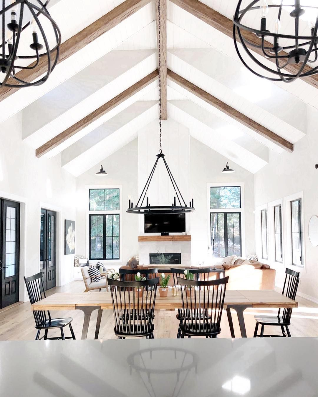 The Gula Shop On Instagram This Is Literally My Dream Modern Farmhouse Such A Beau Farm House Living Room Build Your Own House Cathedral Ceiling Living Room
