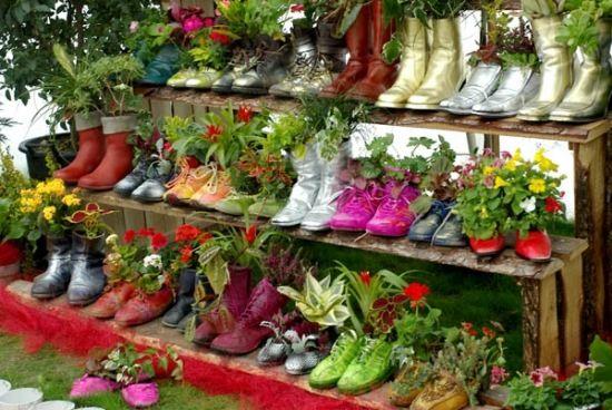 Schuhe als Übertopf Garten Pinterest Modern balcony, Balcony - garten selbst gestalten tipps