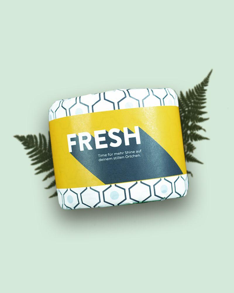 Wie wärs mit schicken Recyclingtoilettenpapier in plastikfreier Verpackung. Sag Nein zur Plastikfolio und Ja zu mehr Nachhaltigkeit und Style für dein Bad!