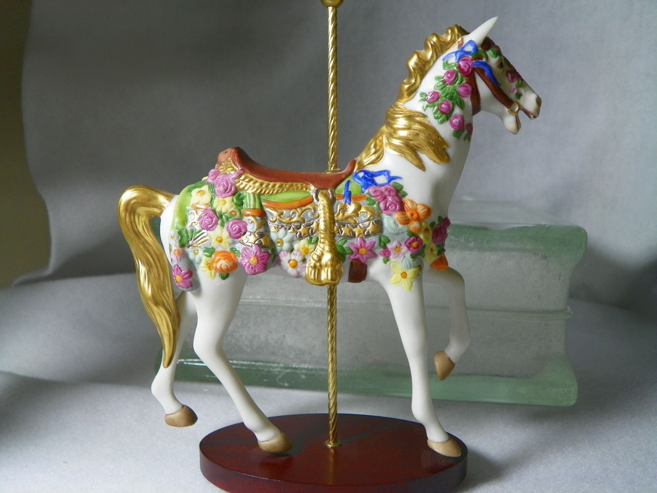 1988 Franklin Mint American Beauty Carousel Horse