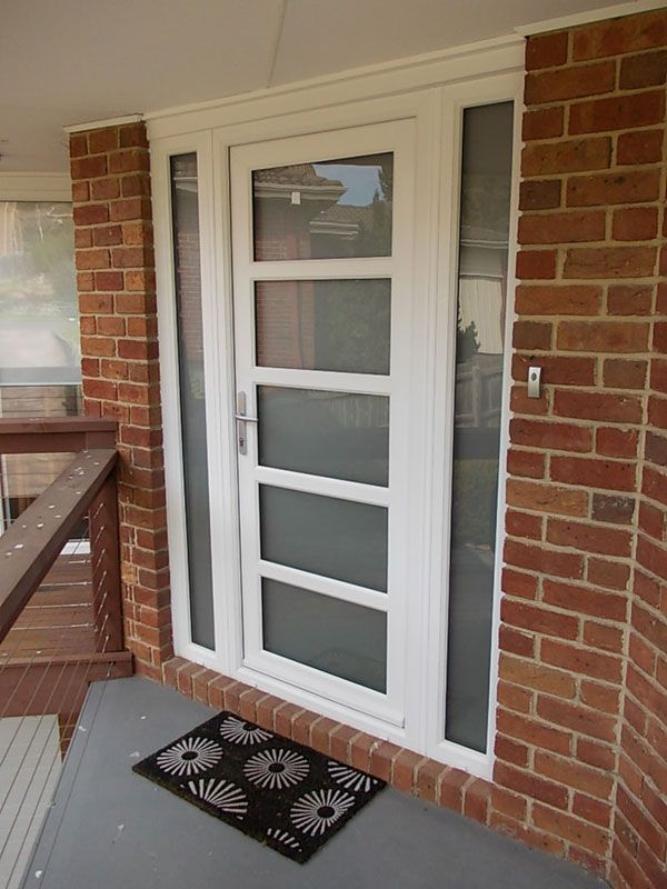 white front doorsKilsythWhitefrontDoorcombinationwithopaqueglass040914